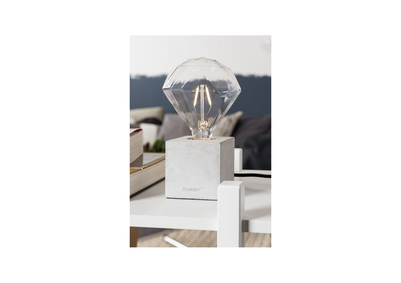 lampe poser design cube de la collection bolch de chez zuiver. Black Bedroom Furniture Sets. Home Design Ideas