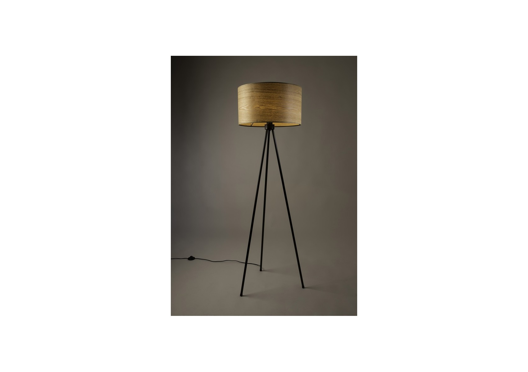 lampadaire en bois de la collection woodland de chez ducth bone. Black Bedroom Furniture Sets. Home Design Ideas