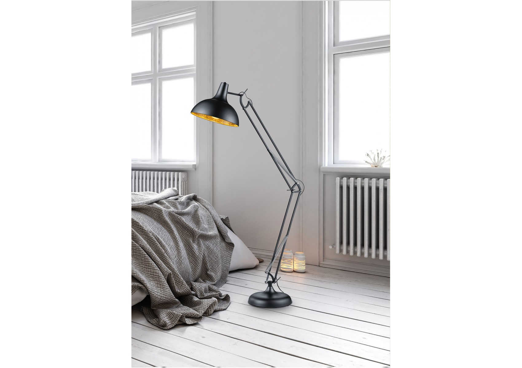 lampadaire salvador une lampe de bureau g ante noir mat et or. Black Bedroom Furniture Sets. Home Design Ideas
