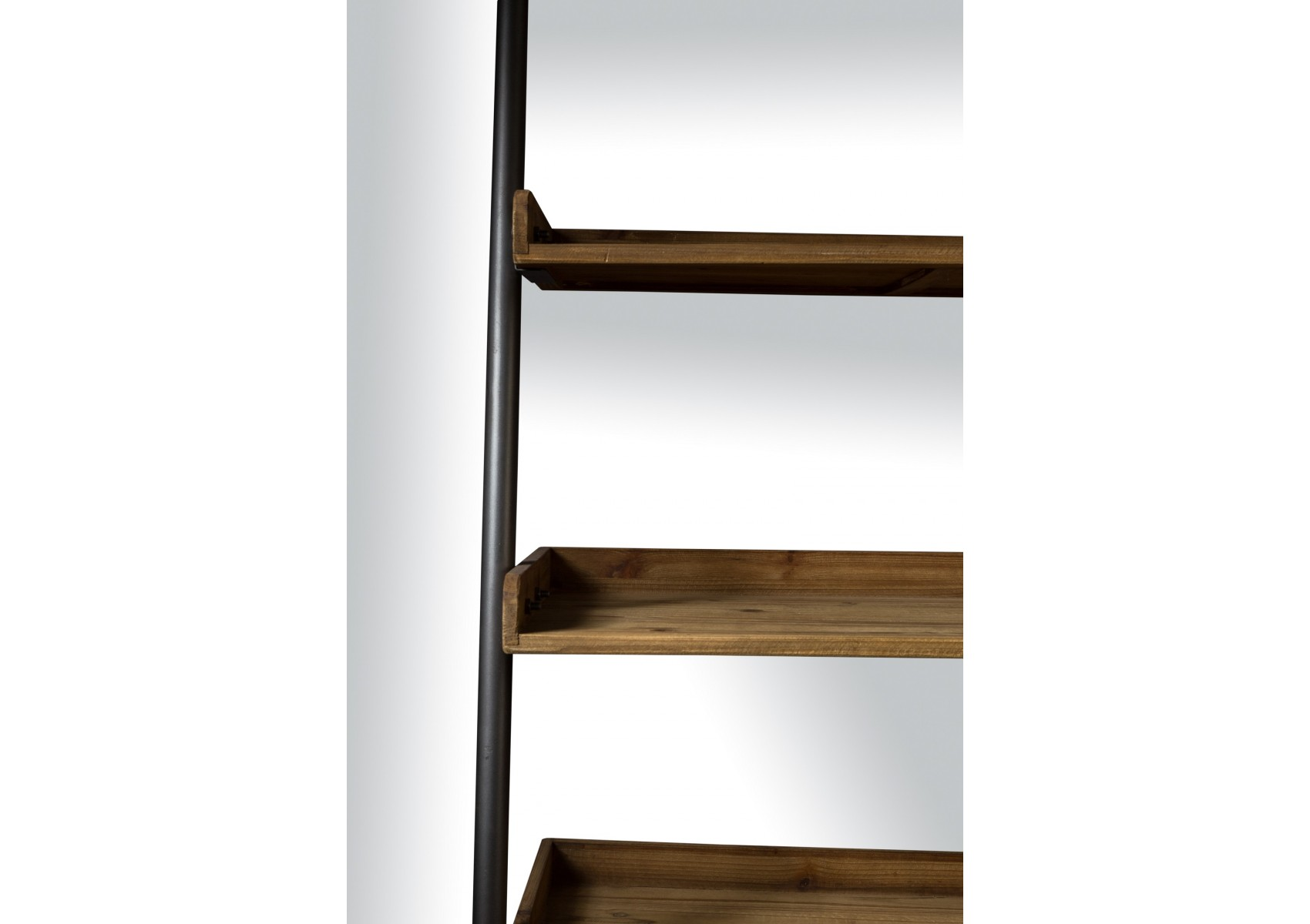 etag re en bois et m tal shelf wally de chez boite design. Black Bedroom Furniture Sets. Home Design Ideas