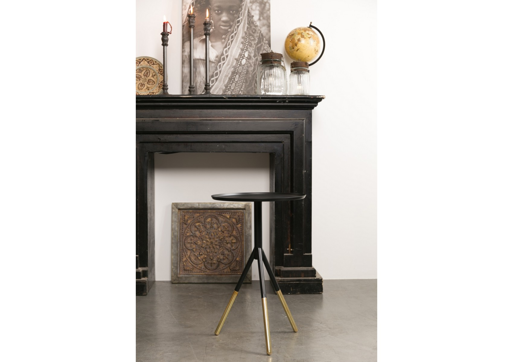 table design d 39 appoint de la collection elia de chez dutch bone. Black Bedroom Furniture Sets. Home Design Ideas