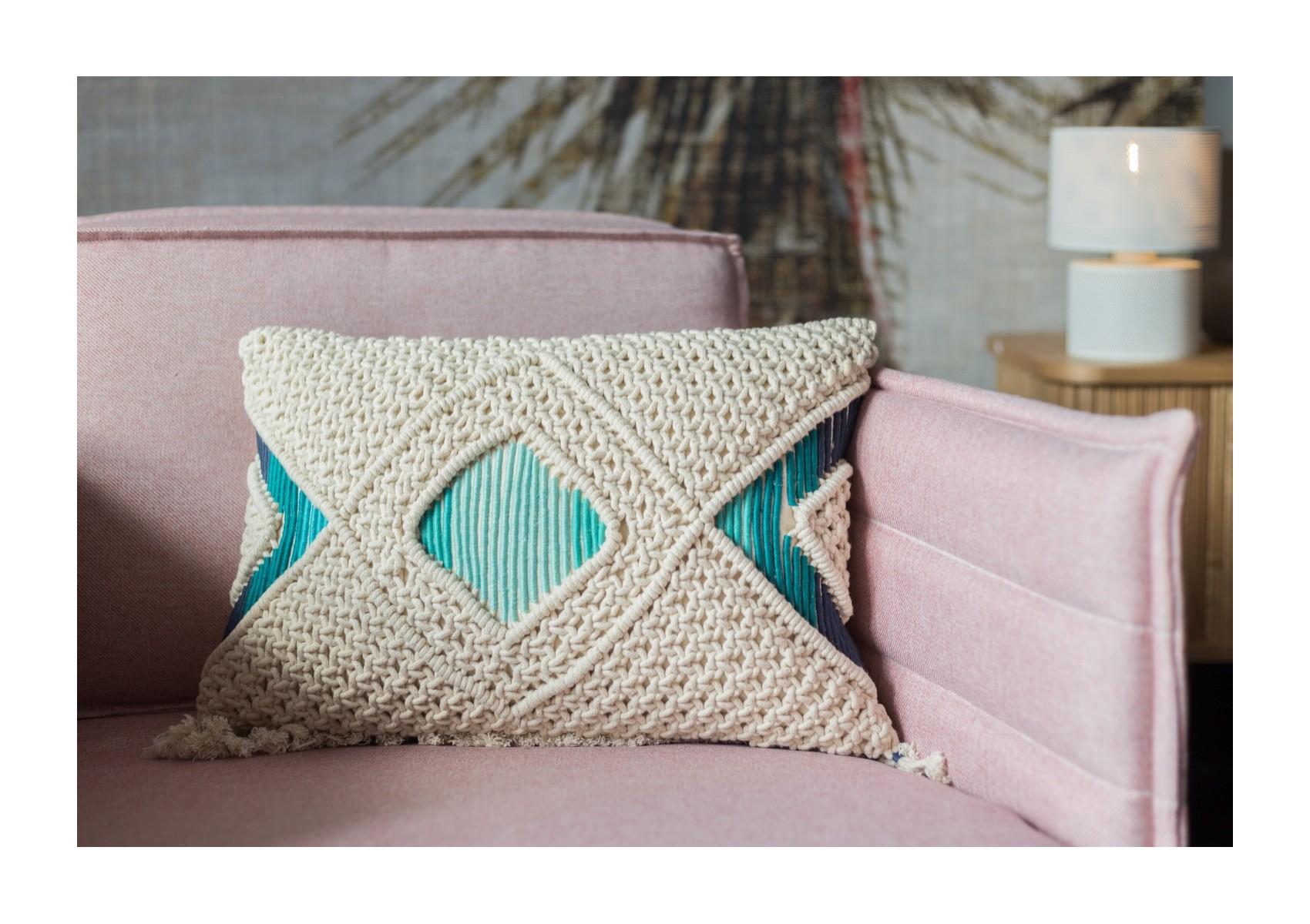 coussin brod macram ivoire et bleu coton franges zuiver. Black Bedroom Furniture Sets. Home Design Ideas
