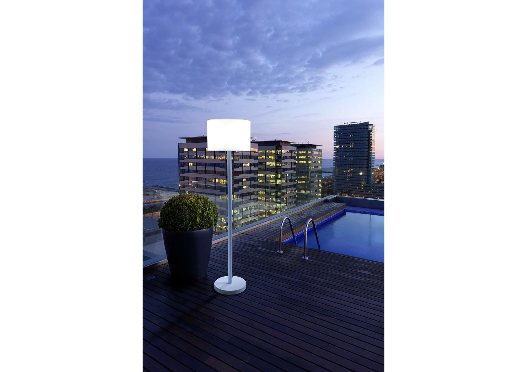 lampadaire pour ext rieur smooth de chez leds c4 pour. Black Bedroom Furniture Sets. Home Design Ideas