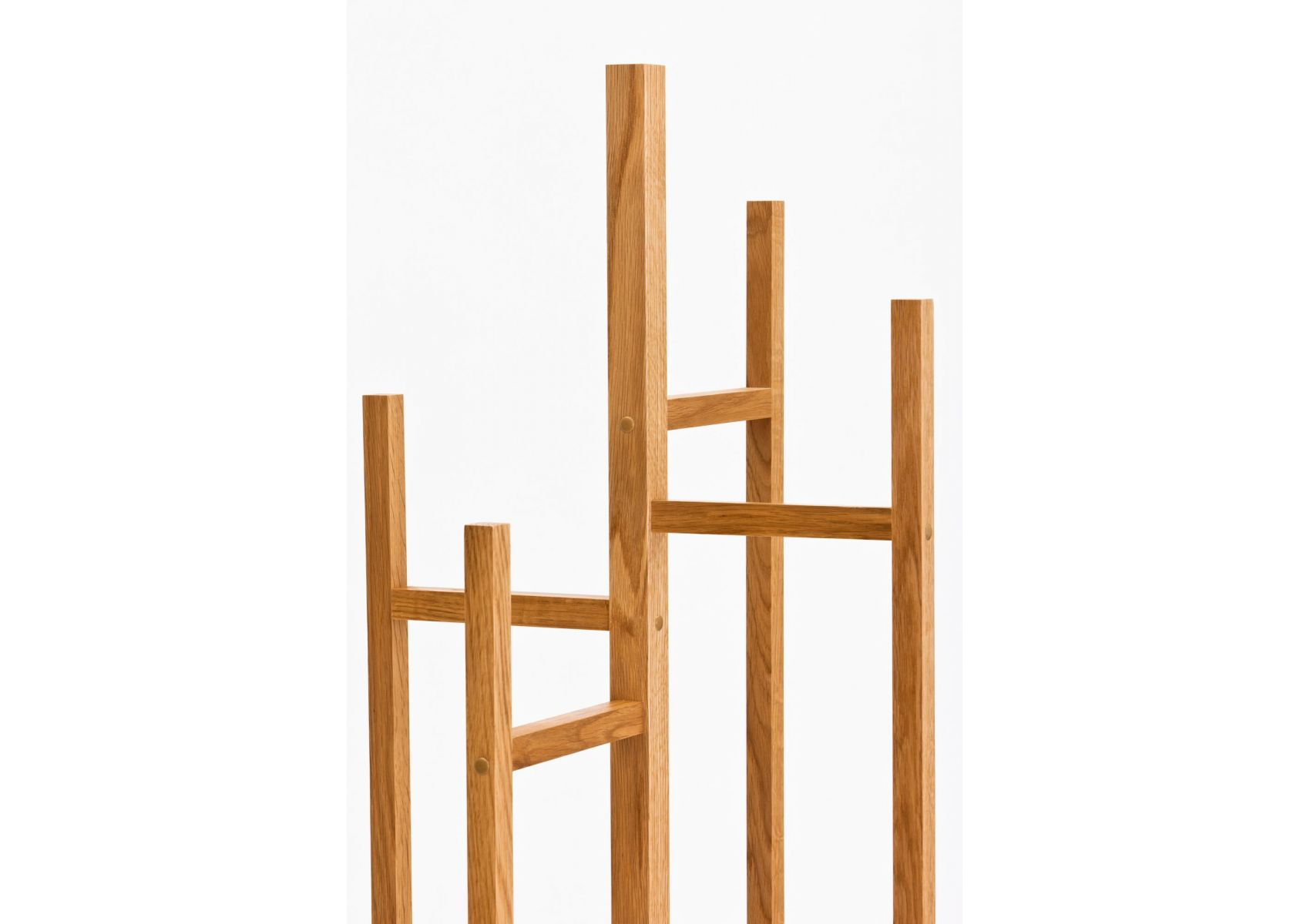 portemanteau en bois design eigen de chez woodman. Black Bedroom Furniture Sets. Home Design Ideas