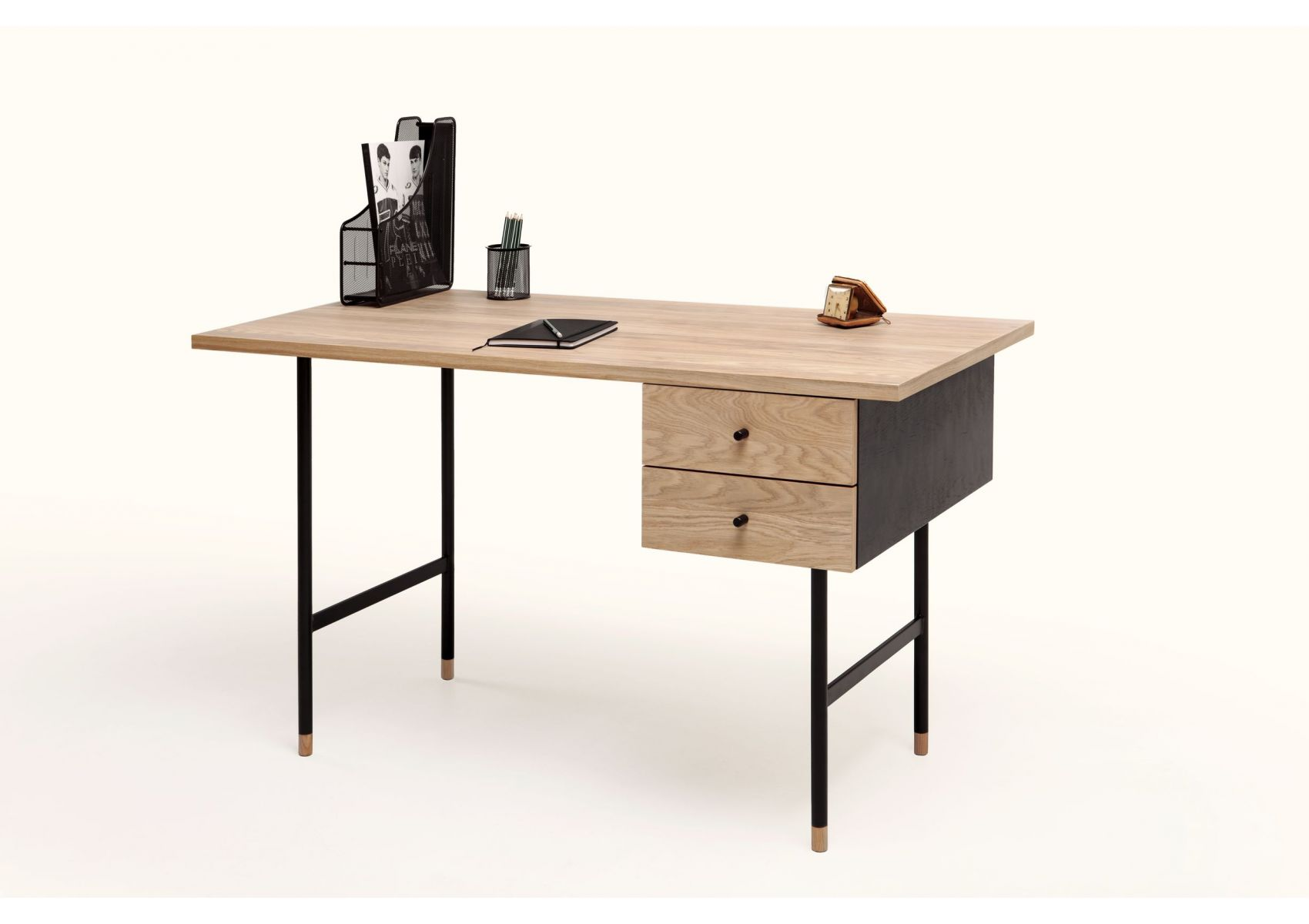 bureau vintage et industriel jugend de chez woodman. Black Bedroom Furniture Sets. Home Design Ideas