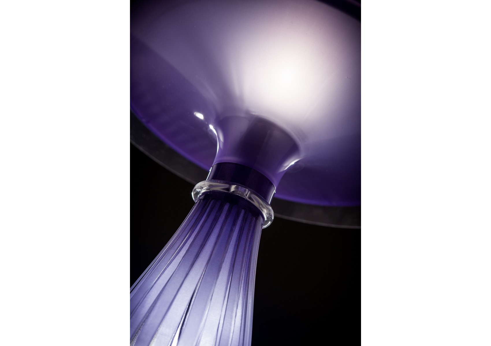 Lampe de table design Liza Boite à design