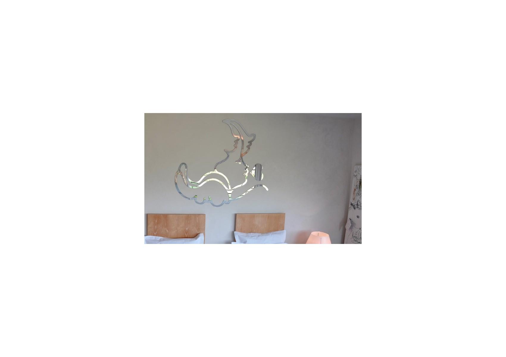 Miroir design original dis moi tout de robba en forme d 39 ange for Miroir miroir dis moi