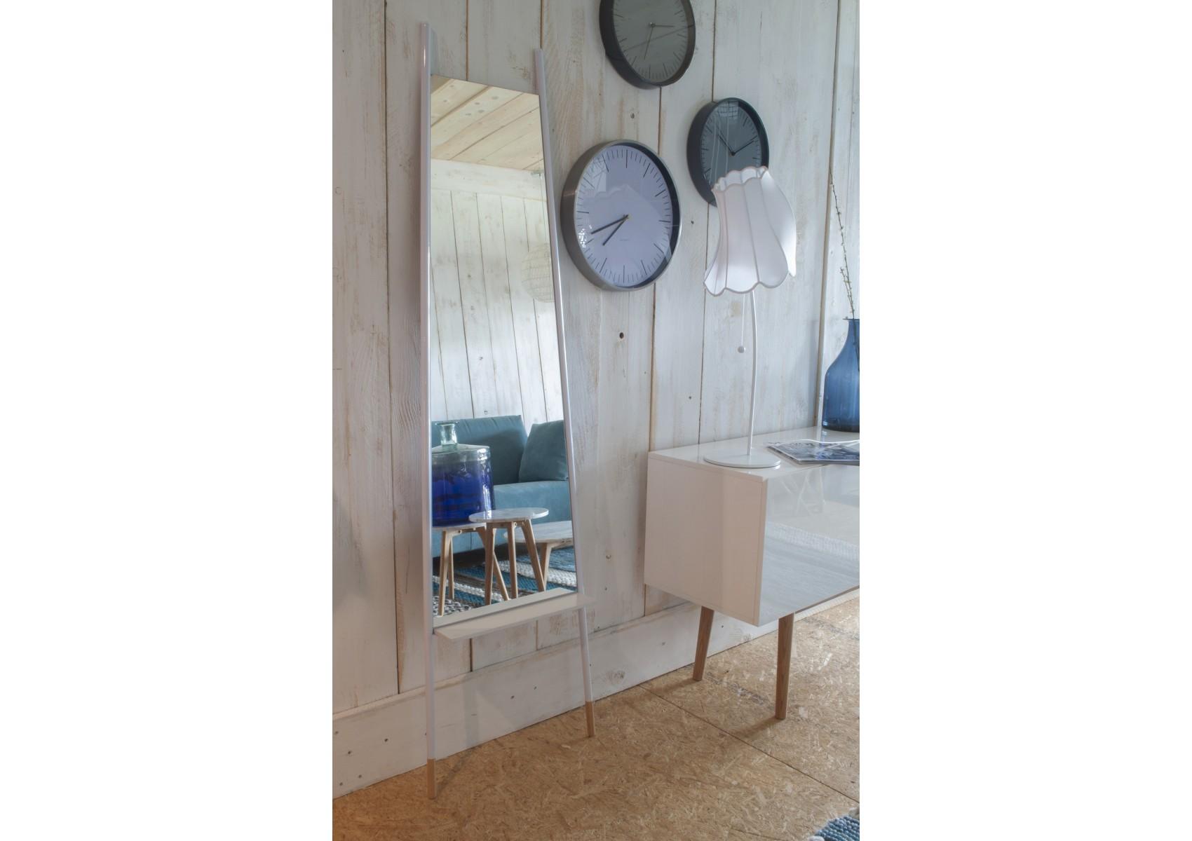 Miroir leaning white design boite design for Miroir zuiver