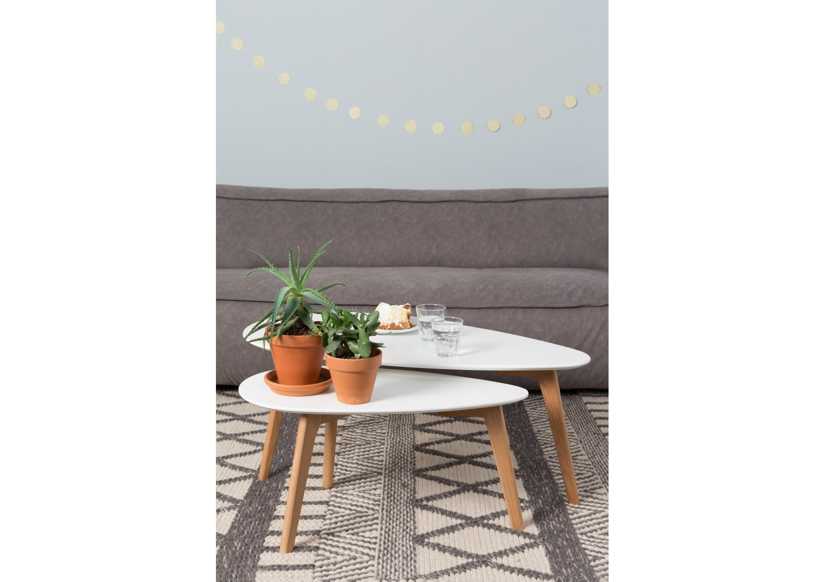 tables basse scandinave Drop laquée blanche